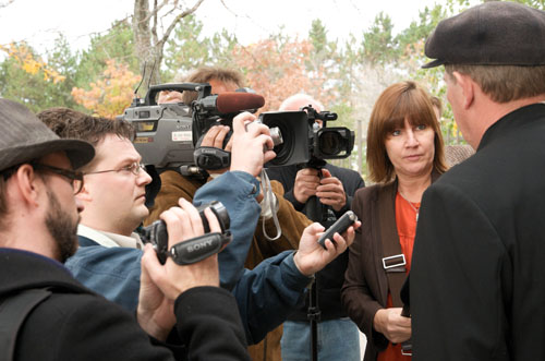 Reporters from the Toronto Sun, Canadian Press and CBC TV interview farmer Michael Schmidt on his reaction to Judge Boswell's verdict.